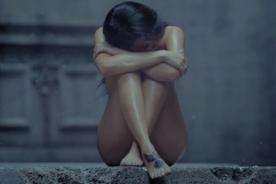 CL se muestra totalmente desnuda en nuevo videoclip de 2NE1