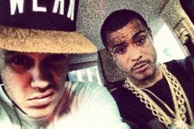 Justin Bieber le tatúa dibujos en el pecho a Khalil Sharieff - VÍDEO