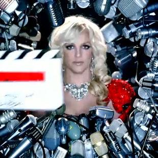 Britney Spears lanza segundo adelanto de su video Hold It Against Me