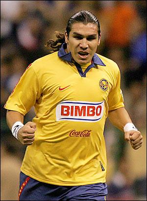 Salvador Cabañas: La recuperación del jugador es lenta