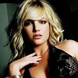 Britney Spears y Hold It Against Me rompen records en las radios