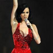 Katy Perry subastará vestido a beneficio de la Cruz Roja Americana