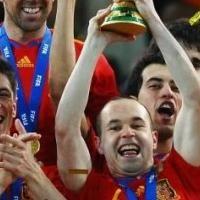 Barcelona: Andres Iniesta resta importancia a lo que hace Cristiano Ronaldo