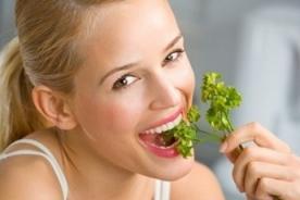 Alimentos para mantener una sonrisa saludable - Conócelos