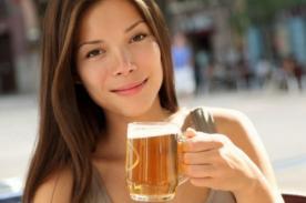 Beber cerveza moderadamente ayuda a bajar 'kilitos' de más