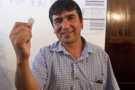 Insólito: Alcalde fue elegido a moneda en Cusco