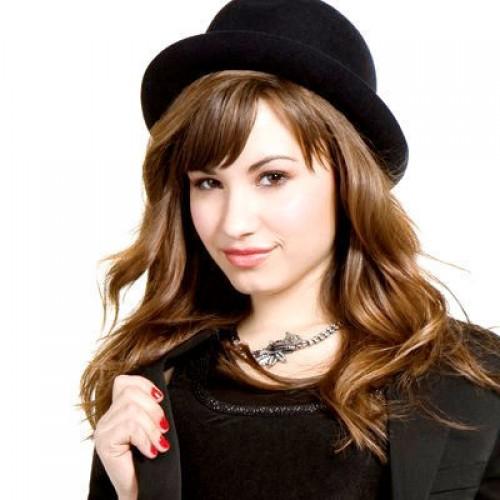 ¿Por qué Demi Lovato usa tampones en sus narices?