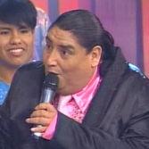 El Gran Show: Tongo interpreta La Pituca en 3 idiomas