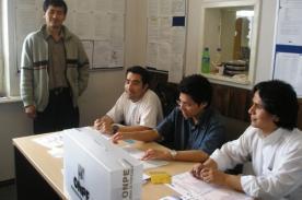 Conoce si eres miembro de mesa - ONPE Elecciones Municipales 2013