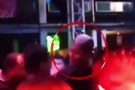 Golpean brutalmente a 'Chiquito' Flores en discoteca - VIDEO