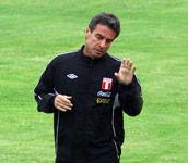 Pablo Bengoechea estuvo de espía en el partido de Paraguay ante Honduras