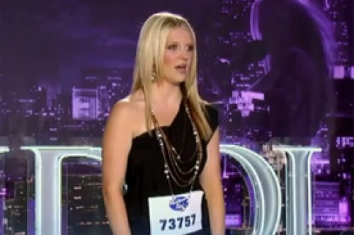 Clon de Britney Spears sorprende con espectacular voz en American Idol