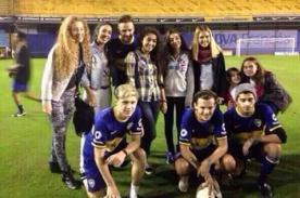 Fotos: Miembros de One Direction se declaran seguidores de Boca Juniors