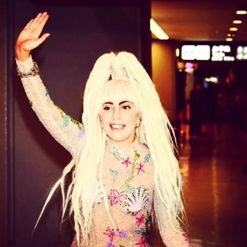 Mira el nuevo y extraño tatuaje de Lady Gaga