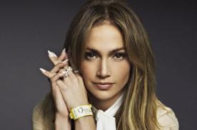 Jennifer Lopez es sorprendida moviendo las caderas