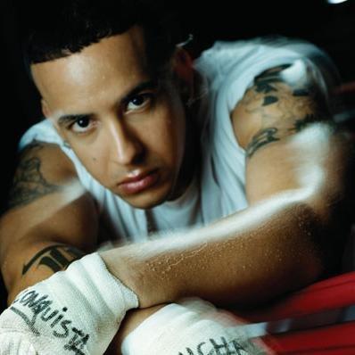 Daddy Yankee es asaltado en su propio camerino