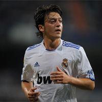 Real Madrid: José Mourinho reclama cambiar actitud fría a Mesut Ozil