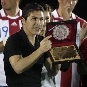 Fútbol internacional: Salvador Cabañas entrenará con el Libertad de Paraguay