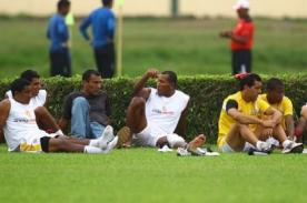 Universitario. Jugadores cuadraron a Pacheco y Guinea por incumplir pagos