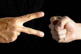 Estudio revela estrategia para ser 'invencible' en 'Piedra, papel y tijera'