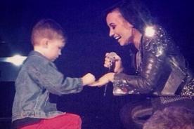 ¿Demi Lovato se casa? Cantante recibe propuesta matrimonial en concierto