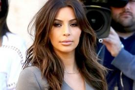 Video: Así se burla Jimmy Kimmel del trasero desnudo de Kim Kardashian