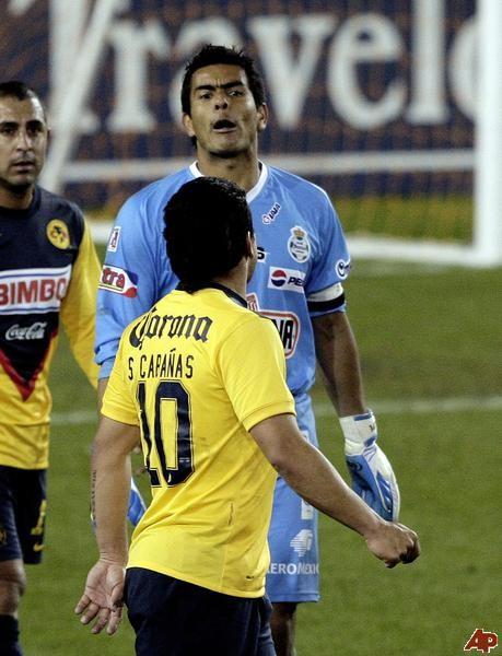 Caso Salvador Cabañas: No lo descarten para el mundial, dijo su médico