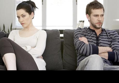 Tener una relación amorosa con tu 'roomie' es una muy mala idea, según especialistas