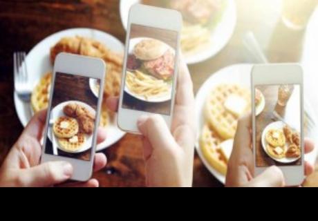 Tomarle fotos a la comida te ayuda a perder peso, según estudio
