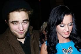 Katy Perry y Robert Pattinson se divierten juntos en Coachella - FOTO
