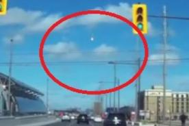 ¡Insólito! Meteorito explotó en pleno cielo de Canadá - Video