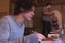 Harry Styles: El sushi y 5 tazas de té verde son lo nuevo de su dieta diaria