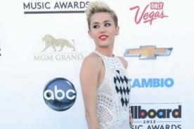 Instagram: ¡Miley Cyrus fue atacada por un gato!