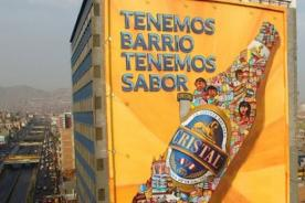 Cerveza Cristal presenta espectacular mural hecho a mano a 30 metros de altura