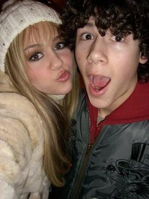 Miley Cyrus a Nick Jonas: No puedo dejarte ir