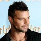 Ricky Martin encuentra a fans en la rejilla de ventilación de su cuarto