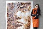 Artista de Malasia realiza un retrato solo con una taza de café (Fotos)