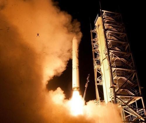 Rana volando por los aires por despegue de cohete de la NASA  alborota redes sociales - FOTO