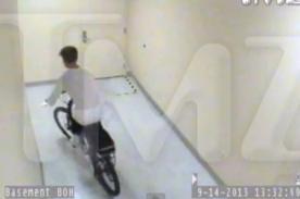 Justin Bieber roba bicicleta a un guardia de seguridad - Video