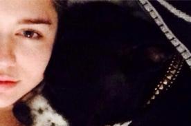 Miley Cyrus sin maquillaje en adorable foto con su mascota