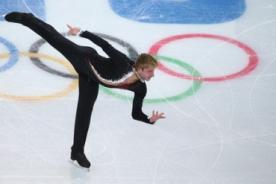 Sochi 2014: Ruso no completa su rutina por dolor en la espalda