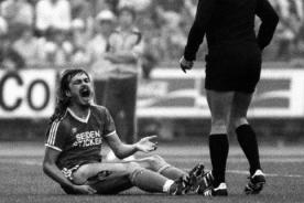 Video: La falta más espeluznante sucedió en la Bundesliga en 1981