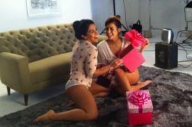 Vania Bludau y Milett Figueroa posan en ropa interior [FOTO]