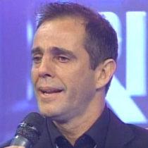 Julinho rompe en lágrimas en la final de Amigos y Rivales