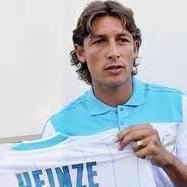 Fútbol Internacional: Heinze dice que dirigentes franceses no saben de fútbol