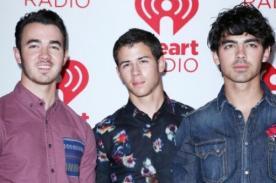 Joe y Nick Jonas muy emocionados por ser tíos