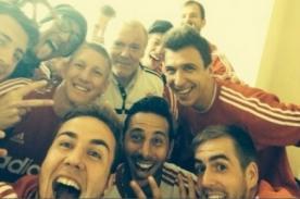 Claudio Pizarro celebró victoria del Bayern Munich con selfie