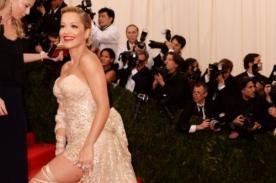 Fotos: Rita Ora dejó ver su ropa interior en el Met Gala 2014