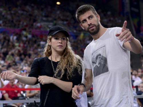 Shakira luce su segundo embarazo junto a su pareja en Barcelona