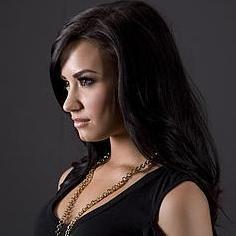 Demi Lovato: Las chicas no deben depender de los hombres